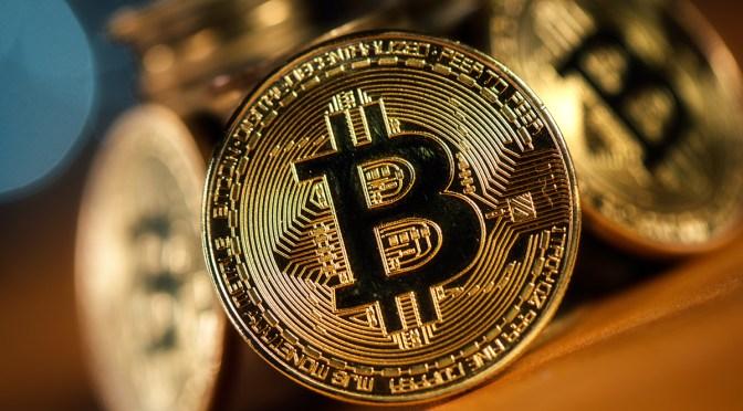 Bitcoin se toma un respiro después rosar los 62,000 dólares