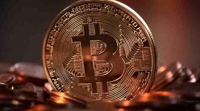 Bitcoin sube un 6.6% para llegar a los 61,074 dólares