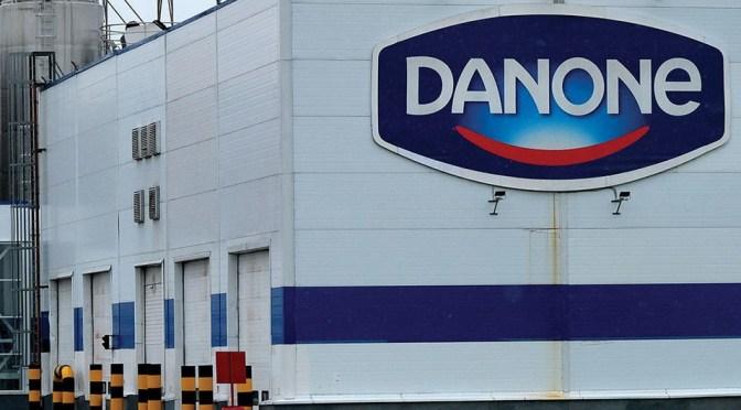 Danone confirma la destitución de presidente y director ejecutivo tras la presión de activistas