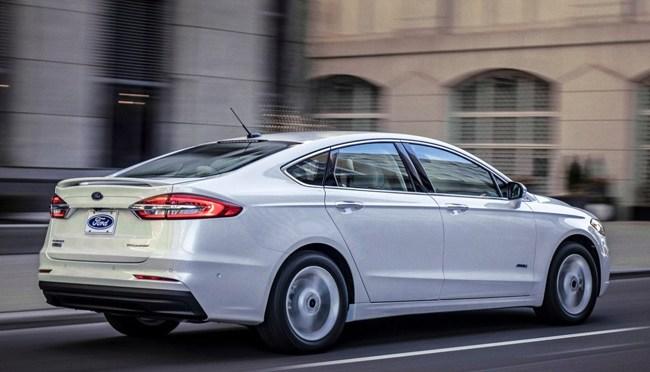 Ford eliminará gradualmente la producción de sedán Mondeo a principios de 2022