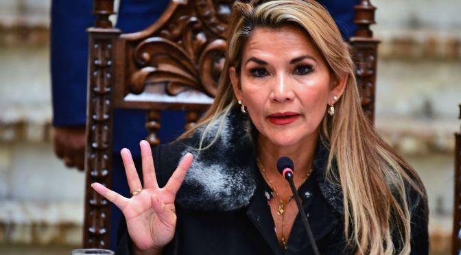 Fiscalía boliviana solicita seis meses de detención preventiva para ex presidenta Jeanine Áñez