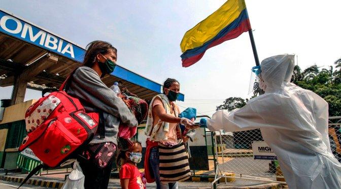 Colombia extenderá las restricciones de COVID-19 a medida que aumentan los casos