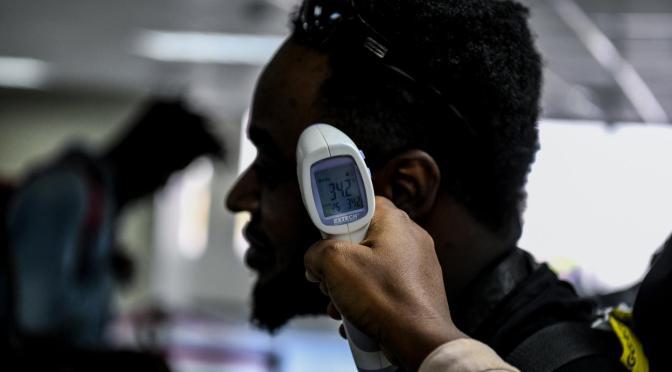 El número mundial de muertes de COVID-19 supera los 3 millones en medio del resurgimiento de nuevas infecciones