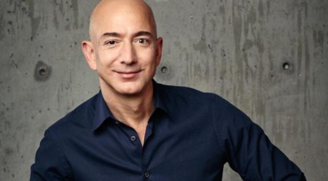 Jeff Bezos encabeza la lista de multimillonarios de Forbes por cuarto año consecutivo