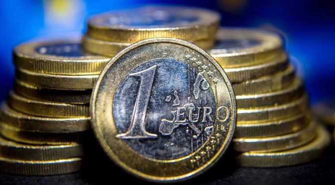Rendimientos de los bonos de la zona del euro se mantuvieron estables durante la primera jornada de la semana