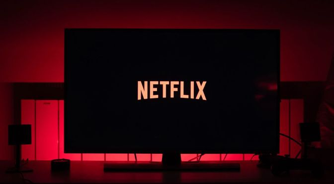 Acciones de Netflix caen 11%