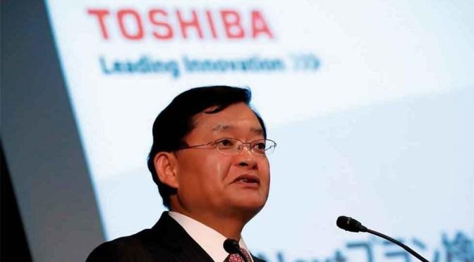 CEO de Toshiba renuncia debido a controversia sobre posible compra de la compañía