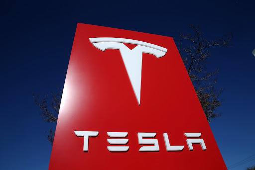 Tesla registra 27 millones de dólares en pérdidas por deterioro de la inversión en bitcoins