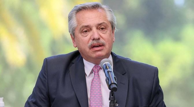Presidente de Argentina habla del acuerdo realizado con el FMI mientras cierra su gira por Europa