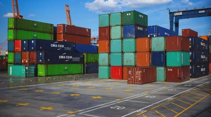 Precios de importación de Estados Unidos aumentan sólidamente en abril