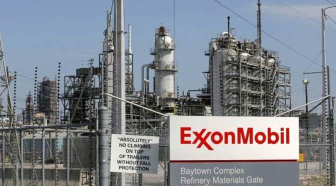Tres refinerías de Exxon encabezan la lista de contaminadores estadounidenses