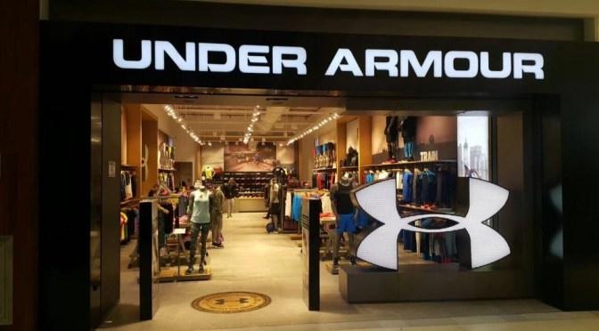 Under Armour eleva las previsiones de ganancias anuales debido a la reapertura de mercados