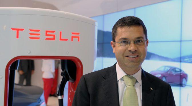 Jefe de la unidad de camiones pesados de Tesla deja la compañía