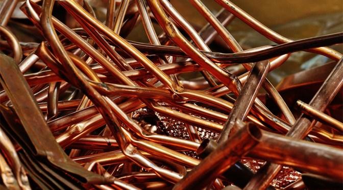Precios del cobre tienen su peor caída en 15 meses