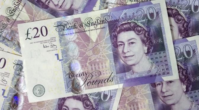 Libra esterlina se mantuvo estable frente al dólar