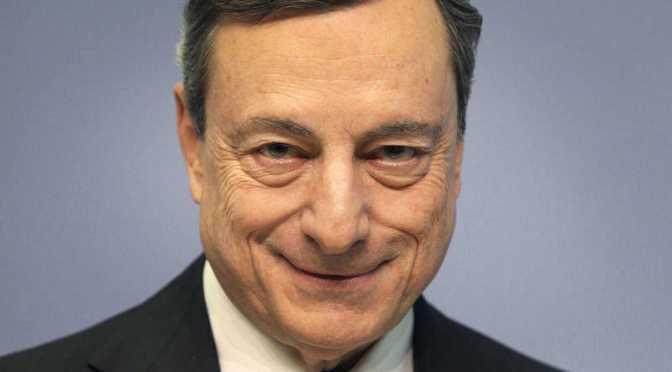 Incertidumbre económica defiende la expansión monetaria y fiscal de Italia: Draghi