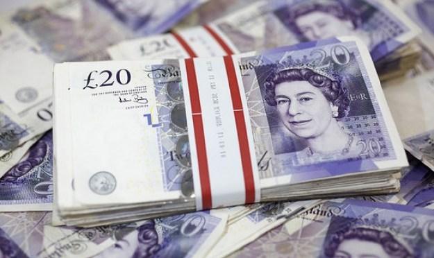 Libra esterlina se recupera frente al dólar para el cierre de la semana