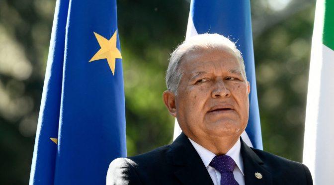 Nicaragua da nacionalidad a expresidente salvadoreño prófugo