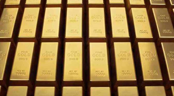 Precios del oro caen frente al dólar