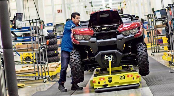 Crecimiento de la industria manufacturera canadiense alcanza su mínimo de 4 meses