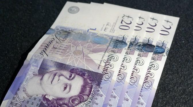 Libra esterlina alcanza máximo de una semana frente al dólar