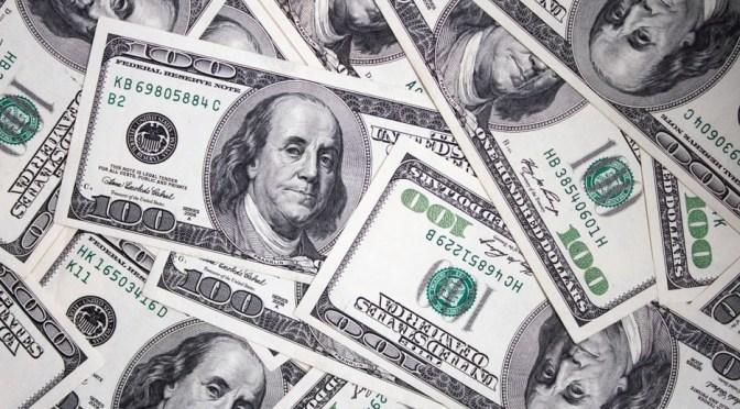 """Dólar avanza mientras los datos de EU muestran que la inflación está """"caliente"""""""