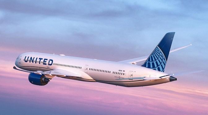 CEO de United Airlines espera que la recuperación de la demanda continúe pese a variantes de Covid-19