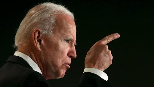 Biden contraataca a críticas republicanas sobre vacunas