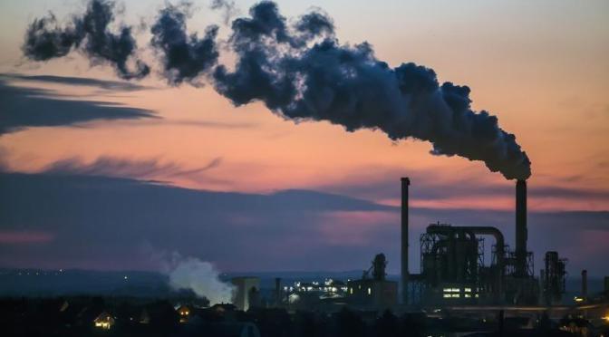 Crecimiento de las fábricas de la zona del euro se aceleró en julio a pesar de la escasez de materias primas