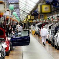 Escasez global de chips y la pandemia COVID-19 pesan en el rebote del mercado automotriz francés