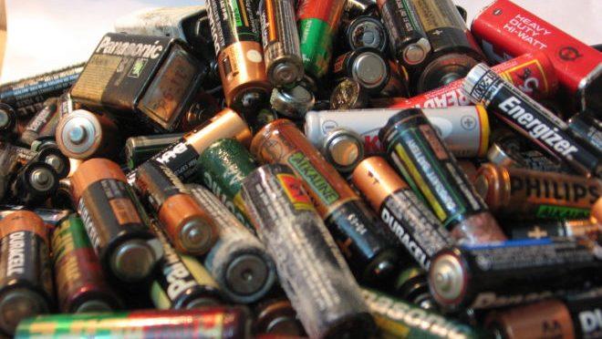 Desarrollan método para convertir desperdicios de comida en baterías