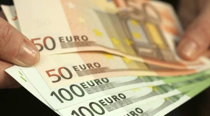 Bonos de la zona del euro rinden de manera estable, se mantienen cerca de los máximos recientes