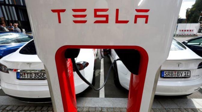 Tesla planea apoyar proyectos de baterías y energía renovable