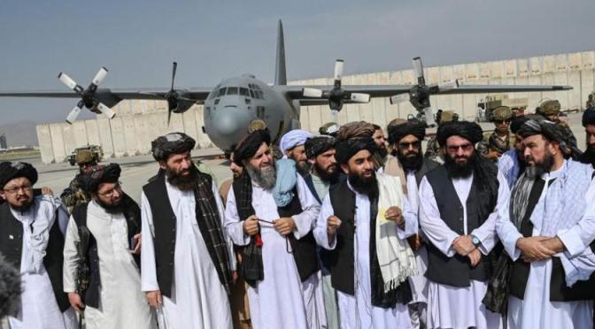 ¿Quiénes son los líderes talibanes a cargo del gobierno en Afganistán?