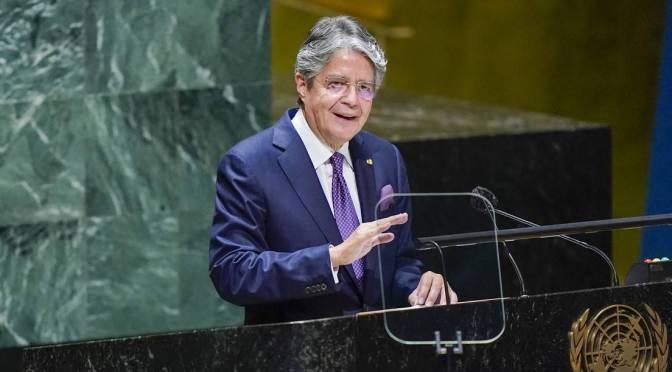 Presidente de Ecuador propone reformas para reactivar la economía