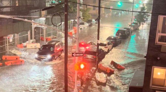 """Al menos 9 muertos en inundaciones """"históricas"""" en Nueva York"""