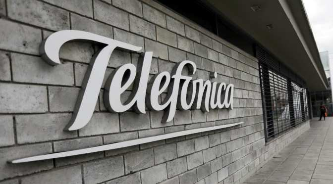 Telefónica contrata a Goldman Sachs para vender mástiles móviles del Reino Unido
