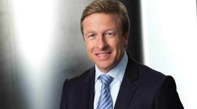 CEO de BMW espera que el suministro de chips se mantenga apretado durante otros 6-12 meses
