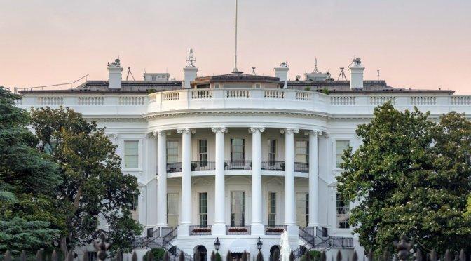 Análisis de la Casa Blanca dice que los estadounidenses ricos pagan mucho menos en impuestos que otros