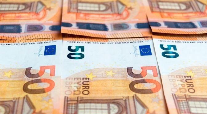 Euro se mantiene cerca de máximos de un mes después de la sacudida de la inflación