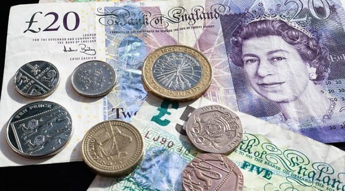 Libra esterlina sube debido a debilidad del dólar