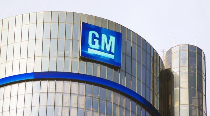 """Director financiero de GM ve suministros de chips """"más estables"""" en 2022"""