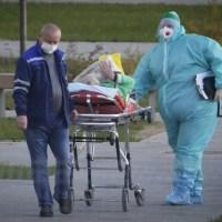 Número diario de muertes por COVID-19 de Rusia alcanza un máximo histórico a medida que el programa de vacunación se estanca