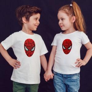 offrez en cadeau à vos enfants ce Magnifique T-shirt Enfant fille ou garçon spiderman. Il est agréable à porter, imprimé directement depuis notre atelier Français situé à Jurançon au cœur des Pyrénées, en plein Béarn 64 niché entre l'océan et la montagne. Disponible en taille 3/4 ANS, 5/6 ANS, 7/8 ANS, 9/10 ANS, 11/12 ANS. 100% coton.