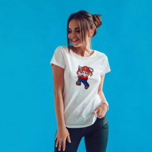 Offrez-vous ce Magnifique T-shirt pop culture Mario Massacre à la Tronçonneuse original et agréable à porter, imprimé et expédié directement depuis notre atelier Français situé à Jurançon au cœur des Pyrénées, en plein Béarn 64 niché entre l'océan et la montagne. Disponible en taille S, M, L, XL et XXL. 100% coton