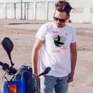 offrez vous ce Magnifique T-shirt homme Surf Biarritz Côte Des Basques original et agréable à porter, imprimé et expédié directement depuis notre atelier Français situé à Jurançon au cœur des Pyrénées, en plein Béarn 64 niché entre l'océan et la montagne. Disponible en taille S, M, L, XL et XXL. 100% coton