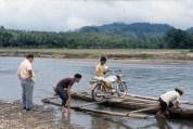 P. Egidio Biffi al guado. Siocon 1980
