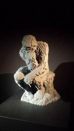 Le penseur de Rodin en LEGO