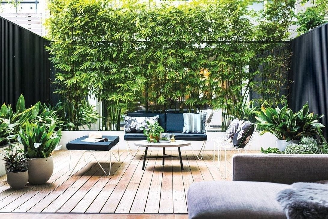 Amazing Small Courtyard Garden Design Ideas 24