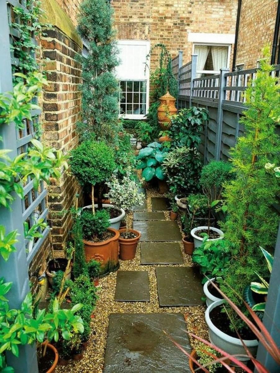 Amazing Small Courtyard Garden Design Ideas 46